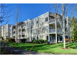 Riverfront Landing Unit A 408 is a top floor end unit. Features